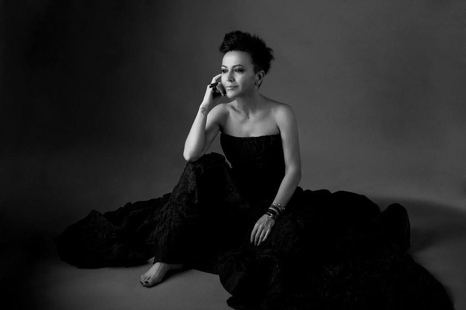 """Međunarodno priznanje Amiri Medunjanin: Album """"For Him and Her"""" među 10 najboljih izdanja u svijetu"""