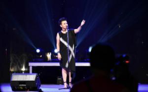 """Amira Medunjanin koncert u Zenici otvorila je pjesmom """"Ima dana"""""""
